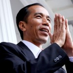 Jokowi Dikutuk Seperti Bandit dan Dipuja Seperti Dewa